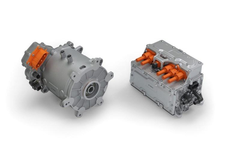 Bosch разработала электрический полуприцеп, который вырабатывает энергию за счет рекуперации и потенциально способен самостоятельно парковаться