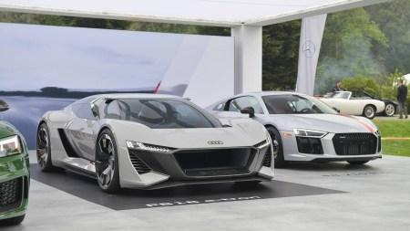 Следующее поколение спорткара Audi R8 выйдет в 2022 году и будет исключительно электрическим. Модель получит мощность 1000 л.с. и дизайн концепта PB 18 e-tron