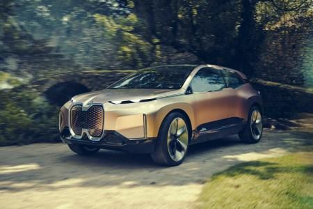 Концепт флагманского электрокроссовера BMW Vision iNEXT представлен официально, серийная версия выйдет на рынок в 2021 году
