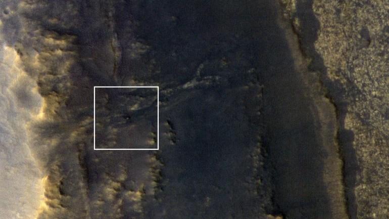 Станция MRO сфотографировала на Марсе «спящего» Opportunity. Фото обнадеживает!