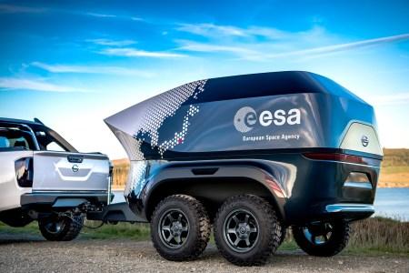 Nissan и ESA создали мобильную астрономическую лабораторию на базе модифицированного пикапа Navara