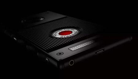 Смартфон RED Hydrogen One с голографическим дисплеем поступит в продажу 2 ноября по цене $1295