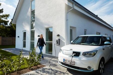 Дания собирается ввести запрет на продажу бензиновых и дизельных автомобилей с 2030 года, гибридов — с 2035 года
