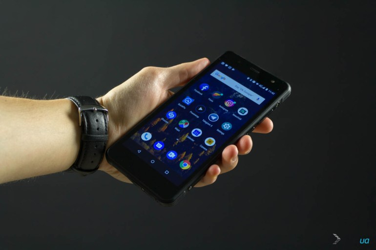 Обзор защищенного смартфона Sigma mobile X-treme PQ37