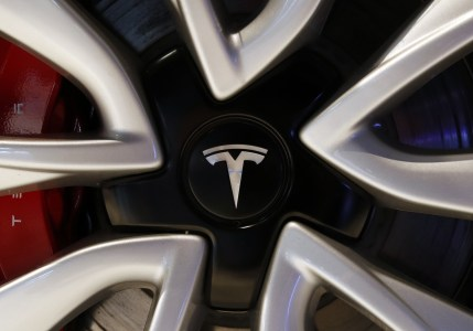 Tesla отчиталась о рекордной квартальной прибыли. Model 3 – лидер по продажам в США в денежном выражении