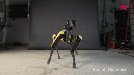 Видео дня: робот, который танцует лучше тебя (Спойлер: и это Boston Dynamics SpotMini)