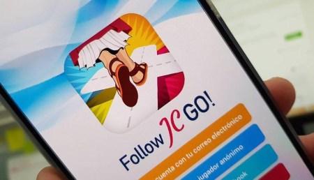 Католическая организация выпустила аналог Pokemon Go – с Иисусом и Моисеем. Папа Римский стал ее первым игроком!