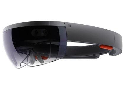 Microsoft заключила контракт с американской армией на поставку гарнитур HoloLens на сумму $480 млн