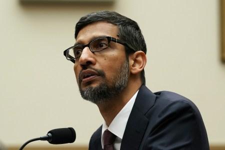 Глава Google объяснил Конгрессу, почему по запросу «идиот» поисковик выдает фото Дональда Трампа