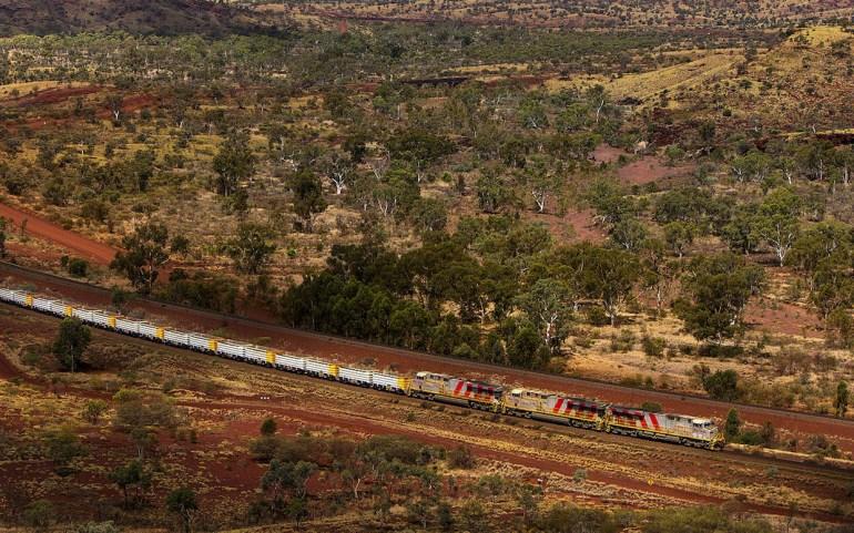 В Австралии введены в эксплуатацию грузовые робопоезда
