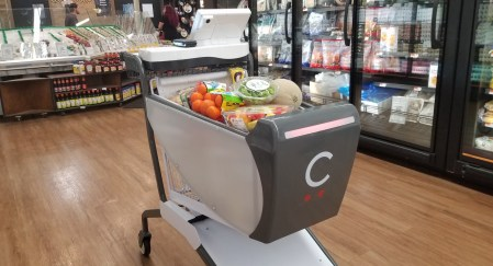 Стартап Caper представил умную тележку, призванную заменить кассы в супермаркетах