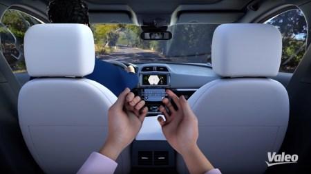 Система Voyage XR позволит людям находиться в машине виртуально