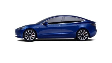 «$1 млн и новенькая Tesla Model 3 в придачу»: У хакеров Pwn2Own появилась новая цель для атак