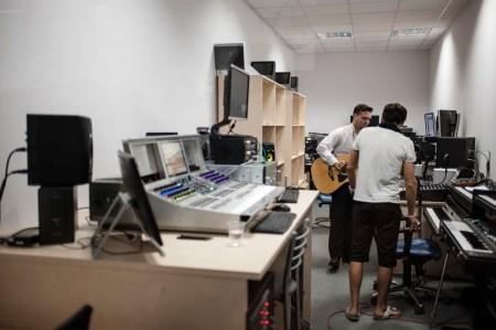 Украинские разработчики из GlobalLogic совместно с компанией Avid разрабатывают технологии, которые используются при создании 70% современной музыки в мире