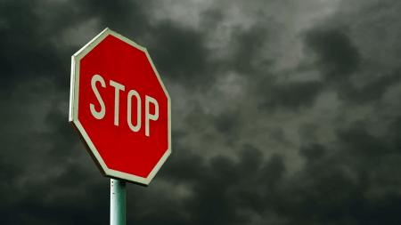 Американские инженеры разработали «умный» дорожный знак STOP