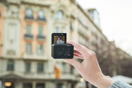 Sony анонсировала защищённую экшен-камеру RX0 II по цене $700