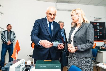 В Украине представили систему Embedded Starter Kit для обучения студентов проектированию роботов и умных устройств