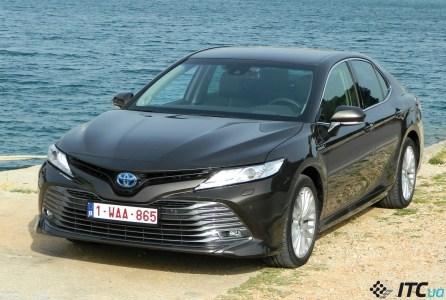 Тест-драйв Toyota Camry Hybrid: когда электричество – «за» разгон и «против» расхода