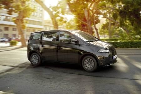 Немецкий электромобиль Sono Sion будут производить в Швеции на бывшем заводе SAAB. Модель за €25,5 тыс. получит батарею на 35 кВтч и запас хода 255 км (WLTP)