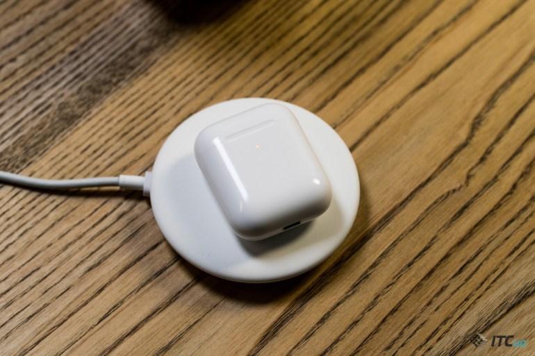 Apple AirPods 2 беспроводная зарядка