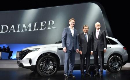 Дитер Цетше покинул пост председателя правления Daimler AG и в BMW не упустили случая подколоть его на прощание [видео]