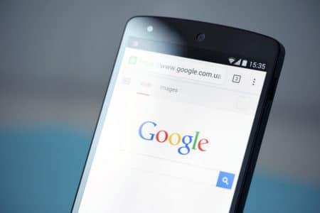 Google обновил дизайн поисковой выдачи для мобильных устройств, теперь там есть названия и логотипы сайтов - ITC.ua