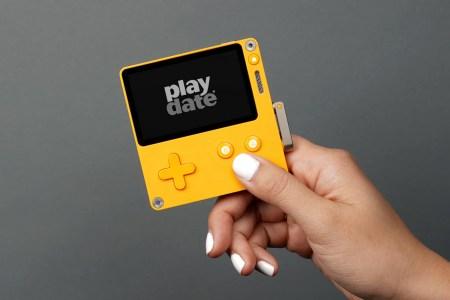 Panic анонсировала мобильную консоль Playdate с черно-белым экраном, встроенными играми и «заводной рукояткой»