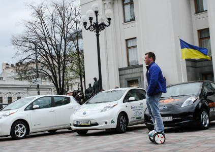 В апреле украинцы приобрели 535 электромобилей, что на 67% выше прошлогодних показателей. Новые Jaguar I-Pace вышли на пятое место рейтинга, почти догнав Renault Zoe