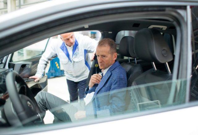 Volkswagen собрал 10,000 предзаказов на электромобиль VW ID.3 в первые 24 часа с начала процесса (это треть объема всей первой партии) - ITC.ua