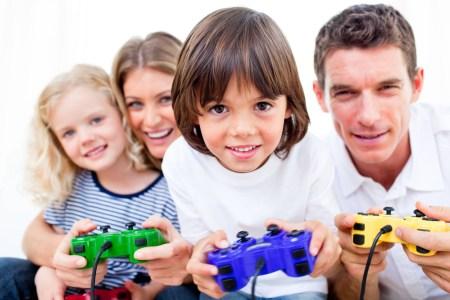Среднестатистический американец тратит всё больше денег на видеоигры, смартфоны — самая популярная игровая платформа