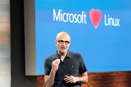 Microsoft анонсировала добавление в Windows 10… полноценного ядра Linux