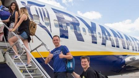 Ryanair выполнил первый рейс в Харьков, а завтра начнет летать в Одессу