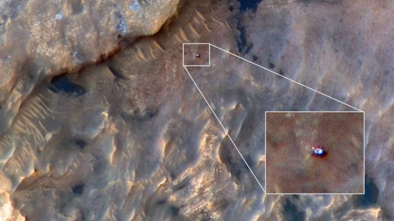Марсоход Curiosity засняли c орбиты Марса