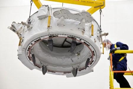 SpaceX в третий раз запустила один и тот же грузовой корабль Dragon в рамках новой миссии снабжения МКС CRS-18. Среди прочего груза – новый стыковочный узел IDA-3