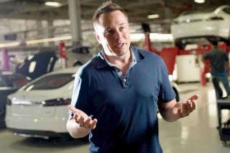 Илон Маск считает, что аккумуляторы станут реальной заменой керосина в самолетах в ближайшие пять лет