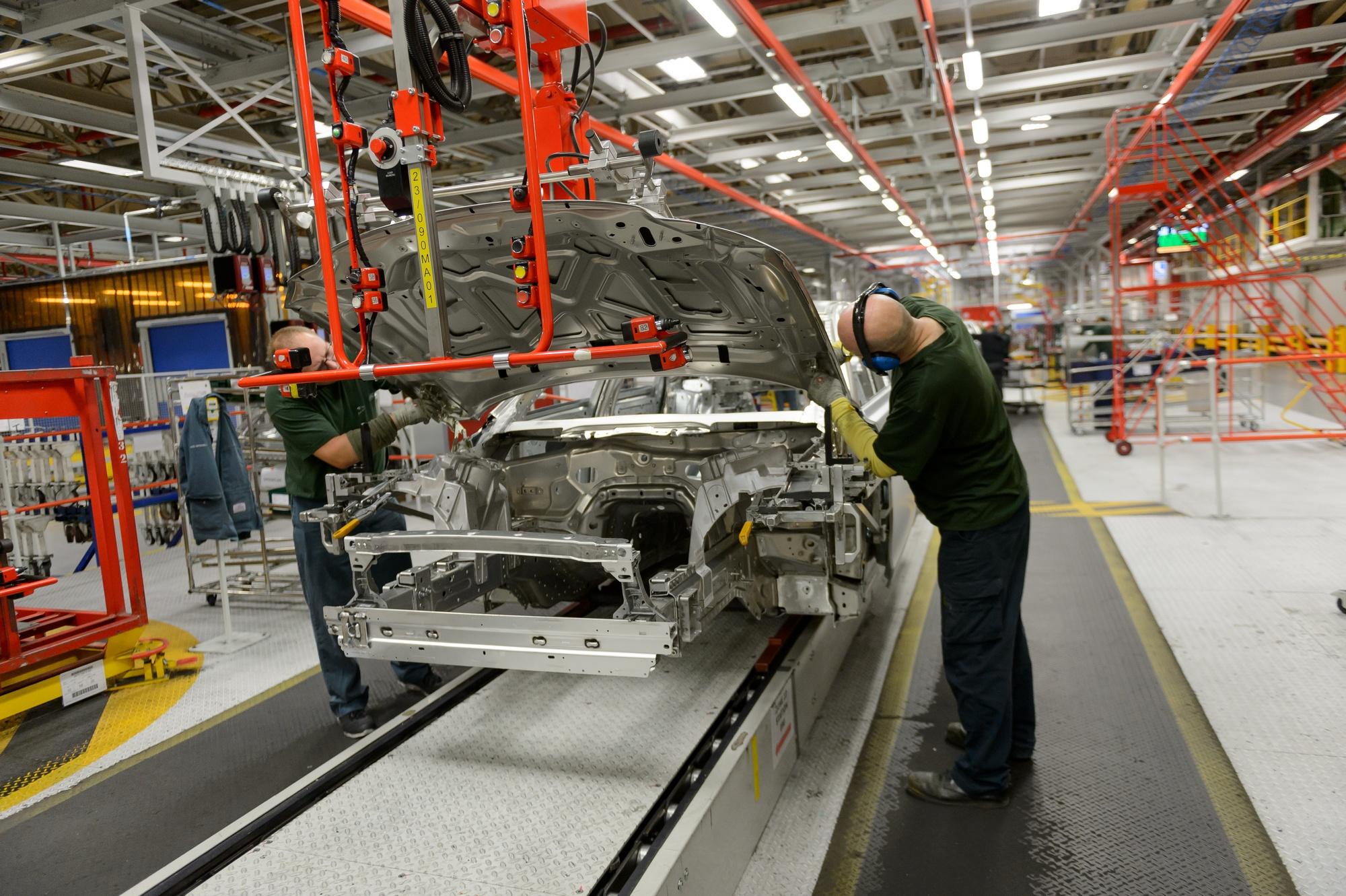 Ягуар Ленд Ровер вложится впроизводство электромобилей исохранит места