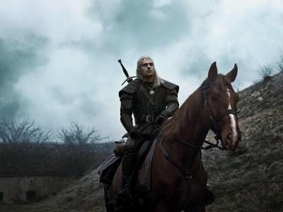 «Шевелись, Плотва!» Генри Кавилл верхом на лошади в новом промо сериала Witcher / «Ведьмак»