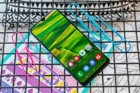 По слухам, обновленный смартфон Samsung Galaxy M20s получит батарею на 6000 мАч, а Samsung Galaxy A30s — тройную основную камеру
