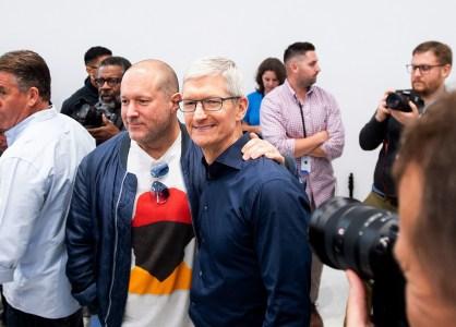 «Эта история — абсурд»: Тим Кук отреагировал на статью The Wall Street Journal о настоящей причине ухода Джони Айва из Apple