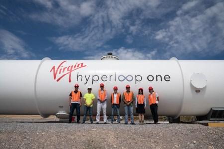 Virgin Hyperloop One построит в Саудовской Аравии тестовую трассу Hyperloop длиною 35километров