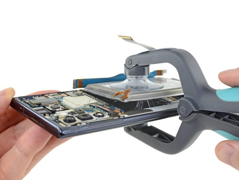 iFixit оценили ремонтопригодность смартфона Samsung Galaxy Note 10+ 5G на «троечку»