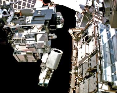 На МКС провели испытания системы дозаправки спутников RRM3