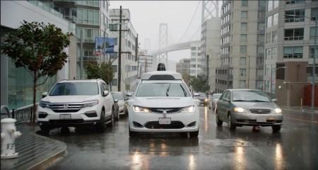 Робомобили Waymo отказываются ездить в плохую погоду. Но это не баг, а фича