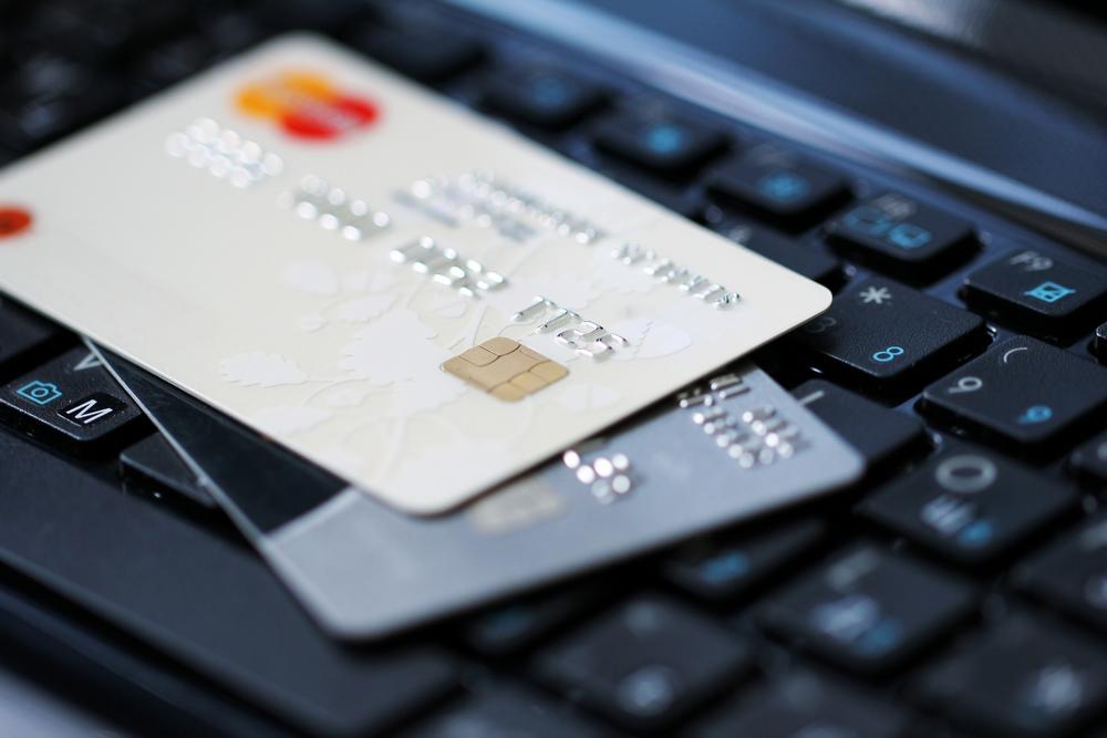 НБУ: Треть безналичных платежей в платежных терминалах Украины осуществляется бесконтактно, с помощью банковских карт и NFC-устройств