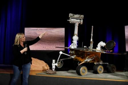 NASA вновь предлагает школьникам придумать имя марсоходу Mars 2020