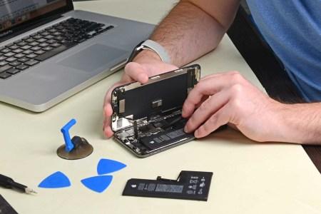 «Для вашей безопасности»: Apple объяснила, почему выводит сервисное сообщение о неавторизованной замене батареи в iPhone