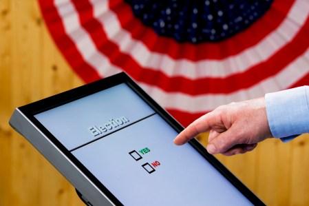 Копии Windows 7, установленные на американских машинах для голосования, будут получать обновления безопасности до конца 2020 года