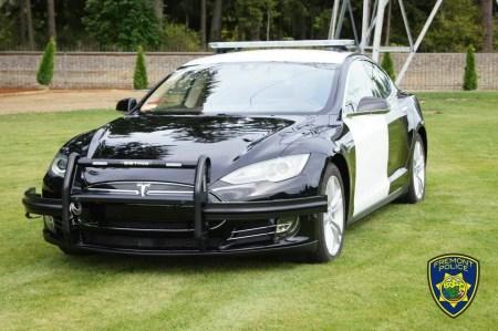 В Калифорнии полицейский прекратил погоню за подозреваемым — его Tesla «попросилась» на зарядку