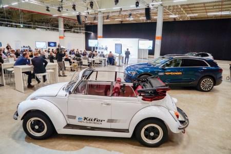 Volkswagen запустил тестовую линию по производству батарей для электромобилей в Зальцгиттере (Германия), уже в 2024 году там будет гигафабрика с 1000 рабочих и 1 млрд евро инвестиций