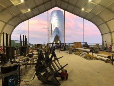 Прототип SpaceX Starship для орбитальных испытаний почти готов